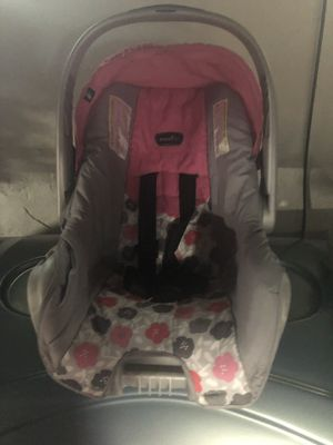 INFANT CAR SEAT for Sale in Cleveland, OH