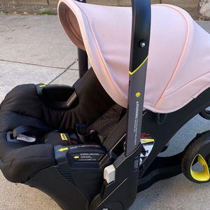 Doona Baby Stroller/Car Seat (2 In 1) for Sale in Compton, CA