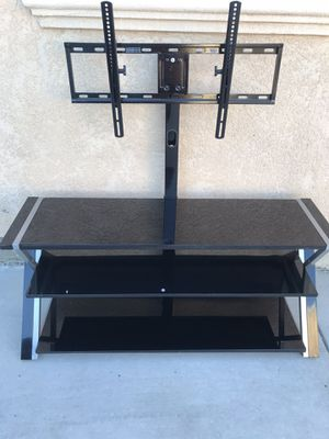 Glass Tv Stand w/ tv mount for Sale in Stockton, CA