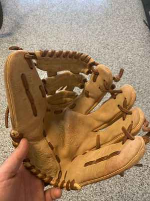 Kid's baseball glove for Sale in Queen Creek, AZ