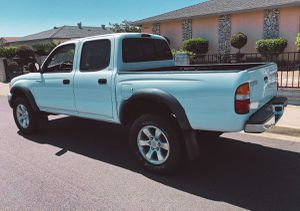 Navigation system 2003 Toyota Tacoma Verry clean for Sale in Denver, CO