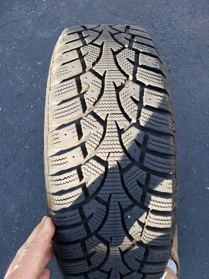 General Altimax Arctic Snow Tires 195/65/15 mounted on 5x114.3 rims for Sale in Prairie View, IL
