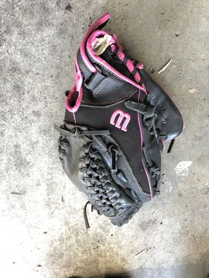 Softball glove - lefty for Sale in Costa Mesa, CA