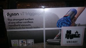 Dyson v7 triggerpro vacuum for Sale in Fontana, CA