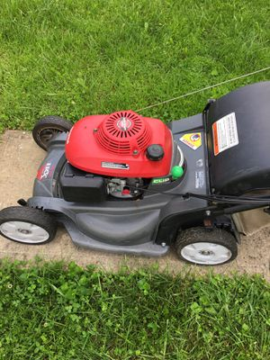 """Honda lawn mower 21"""" with blade clutch for Sale in Alexandria, VA"""