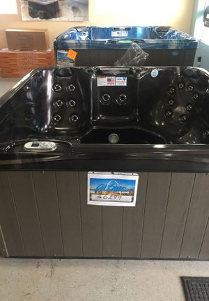 Hot tub spa sale Two Men and A Spa Dolly Cal Spas for Sale in Arnold, MO