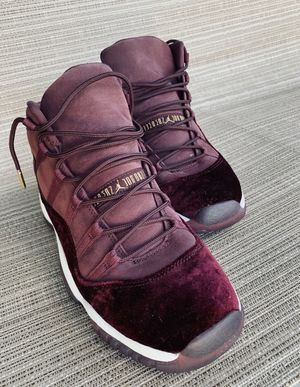 """Preowned Adidas Stan Smith Womens shoes. Black on Black and RED VELVET AIR JORDAN 11 GS """"Basketball shoes"""" for Sale in Atlanta, GA"""
