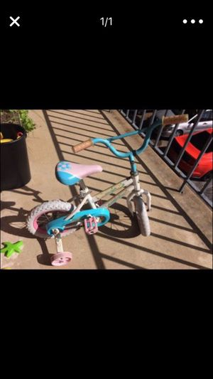 Girls pink and blue training bycicle for Sale in Nashville, TN