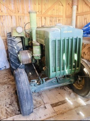 Antique John Deere Tractor 🚜 for Sale in Las Vegas, NV