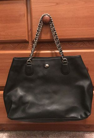 Authentic coach shoulder bag. Does not have small coach tag for Sale in Temecula, CA