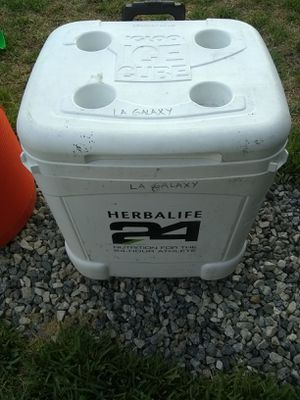Herbal life ice cooler for Sale in Los Angeles, CA
