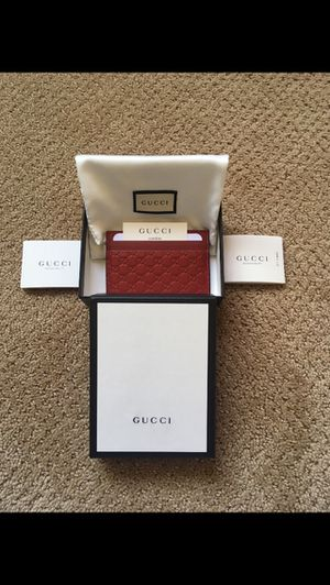 Red gucci wallet for Sale in Pittsburg, CA