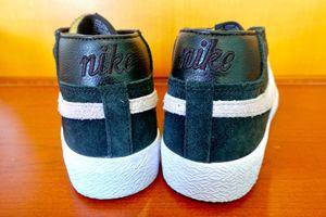 Size 10 men nike shoes for Sale in Rosemead, CA