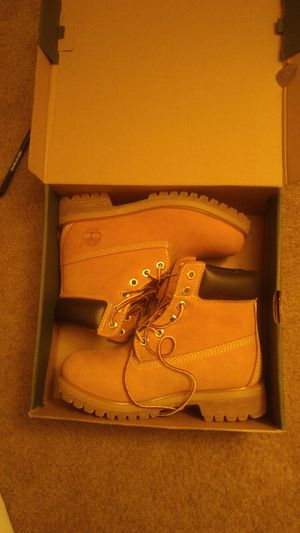 Brand new fresh out the box butter timberlands size 4 buy now and get a pair of black Timberlands both for $150 for Sale in Baltimore, MD