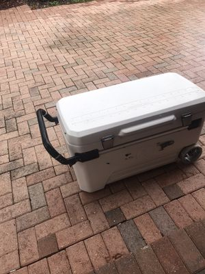 Igloo cooler 110 qt for Sale in Miami, FL