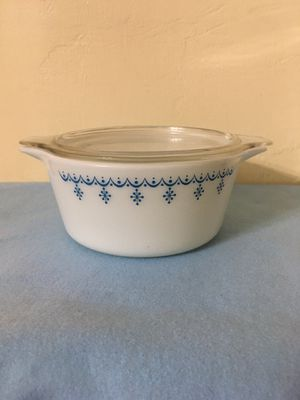 Pyrex Casserole with Lid. for Sale in Miami, FL