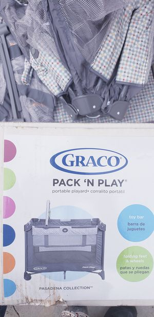 Graco kids profesional playyard for Sale in Los Angeles, CA