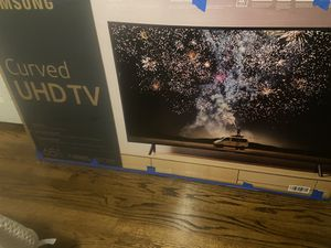 """Brand new 65"""" Samsung smart tv 4 k curbed series 7 $450 price firm for Sale in Charlotte, NC"""