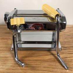 Atlas Tipo Lusso Mod. Model 150 Pasta Machine Made In Italy Table Top for Sale in Oregon City,  OR