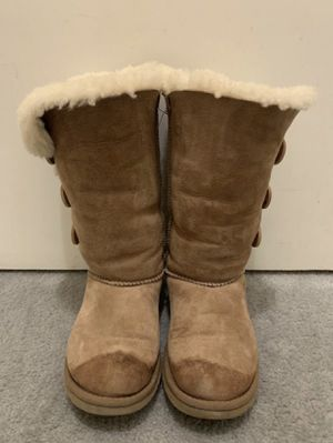 Authentic Chestnut UGG boots for Sale in Roosevelt, CA