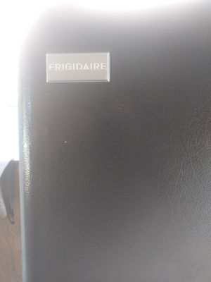 Refrigerator Frigidaire for Sale in Hummelstown, PA