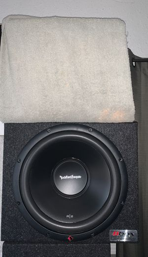 """Brand New (1) 12"""" Rockford Fosgate DVC R2D2 series 2 ohms 250 watts rms subwoofer. Atrend enclosed box. for Sale in Gardena, CA"""