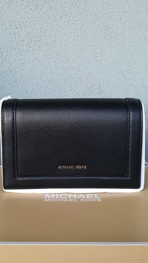 New Authentic Michael Kors Large Crossbody for Sale in Pico Rivera, CA
