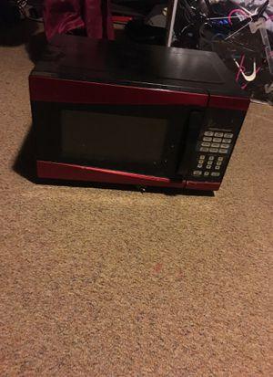 900 watt microwave for Sale in Laureldale, PA