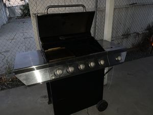 5 burner bbq grill in great condition on propane for Sale in Chino Hills, CA
