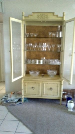 Antique Japanese china cabinet for Sale in Sunrise, FL