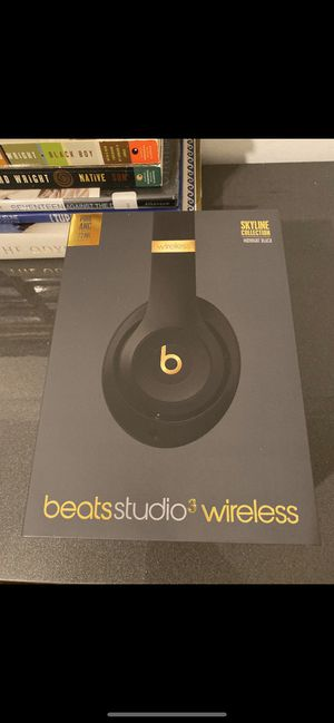 Beats Studio 3 Wireless Skyline Collection Midnight Black for Sale in Edgewater, NJ