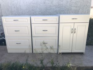 White cabinet and shelf's. for Sale in Las Vegas, NV