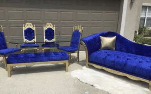 Beautiful dining set, glass table,chairs ,bench and Large chaise lounge in perfect condition,, pet/smoke free home for Sale in Kissimmee, FL