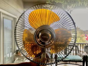 "Vintage MCM Galaxy 12"" Amber Blade Oscillating Fan for Sale in Wichita, KS"