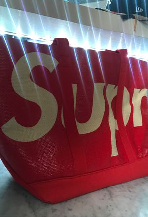 SUPREME TOTE for Sale in San Diego, CA