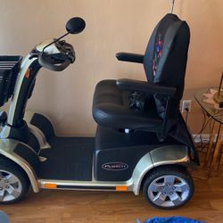 Pursuit Scooter for Sale in Lehigh Acres,  FL