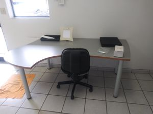 Tables for offices for Sale in Miami, FL
