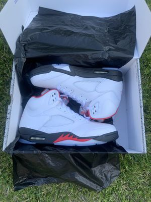 Jordan 5 fire red size 10.5 for Sale in Hacienda Heights, CA