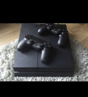 PS4 with 2 controllers for Sale in Cleveland, OH
