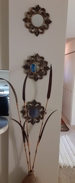 Wall Decor 3 Piece Mirror for Sale in Glen Burnie, MD