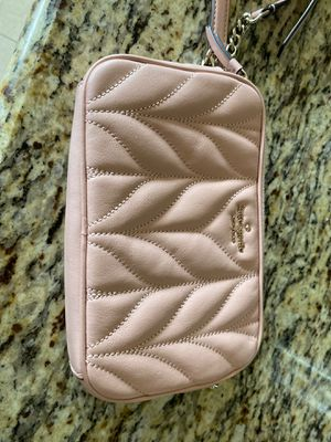 Kate spade small cross body bag for Sale in Richmond, TX