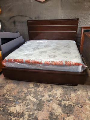 KING SIZE Bed frame with mattress and boxpring used for Sale in Houston, TX
