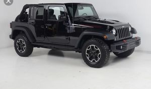 Jeep soft top like new for 4 door 2015 rubicon for sale for Sale in Kathleen, FL