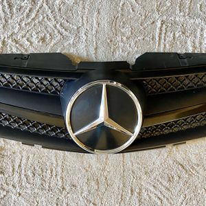 2003-2009 SL r230 single fin black updated grill for Mercedes Benz SL. for Sale in Newport Beach, CA
