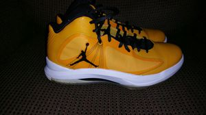 Air Jordan black and yellow shoes for Sale in Pittsburgh, PA