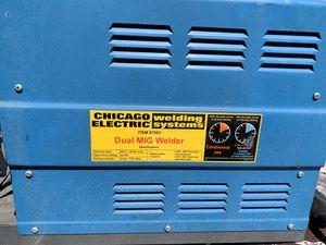 Chicago Electric Dual Mig Welder 220v 20a for Sale in Menifee, CA