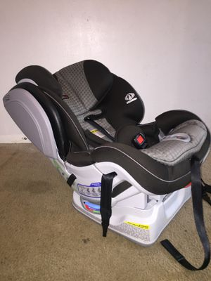 Britax Boulevard ClickTight Convertible Car Seat for Sale in Knoxville, TN