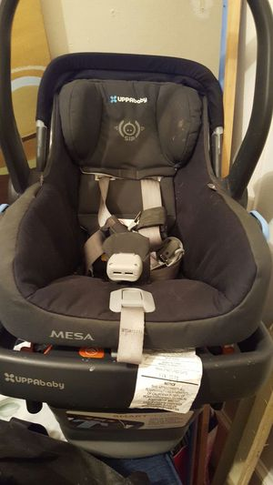 Car seat with base for Sale in Bronx, NY