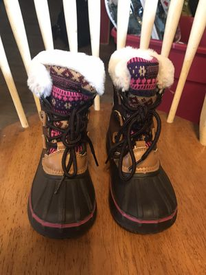 LONDON FOG LITTLE GIRLS SNOW BOOTS SZ 11 for Sale in Cerritos, CA
