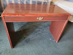 Desk with pull out drawer for Sale in Erie, PA